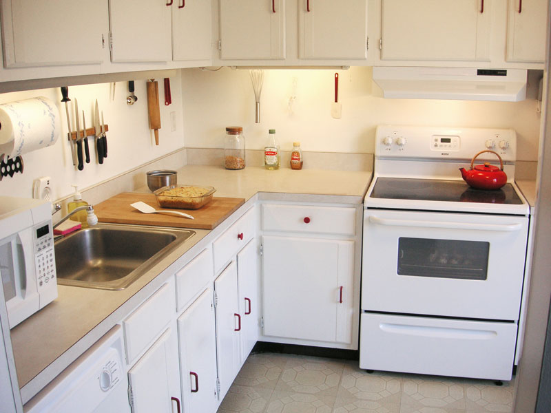 kitchen cabinets with white appliances best 25 white appliances ideas on white 21450